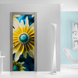 Αυτοκόλλητο Πόρτας Beautiful Flower Closeup- Decotek 20190